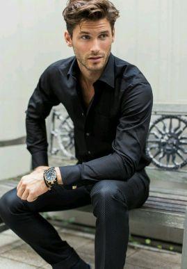 189838-Black-Shirt-With-Black-Pants