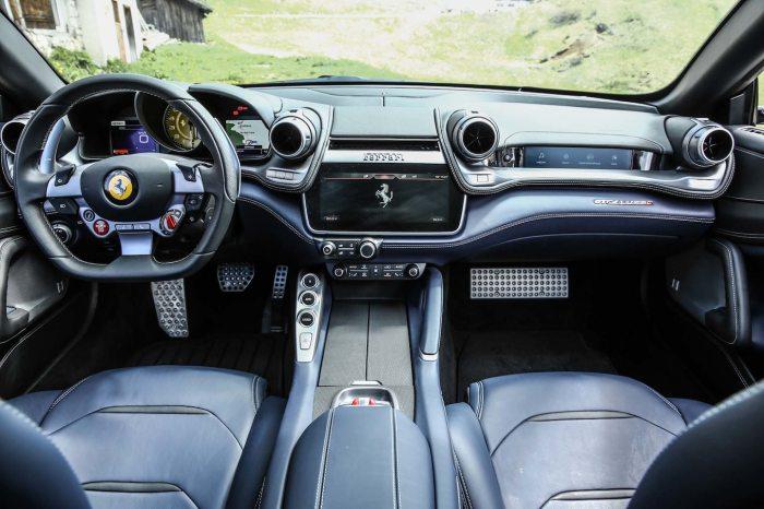2017-Ferrari-GTC4Lusso-interior-view-02